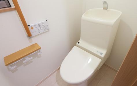 タンクありトイレ